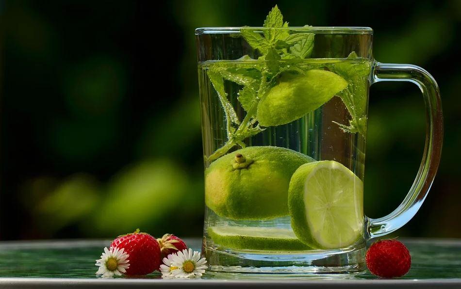 Entgiftung des Körpers dank Detox